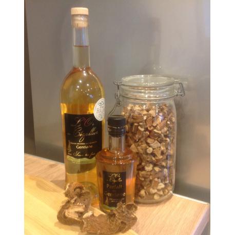 Boisson alcoolisée aux racines de gentiane